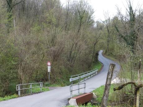 Strada per Restocina
